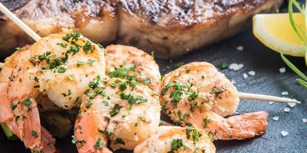 Tu alimentación diaria no tiene por qué ser monótona. Intercala cada día productos del mar y de la tierra como los que te presentamos aquí.