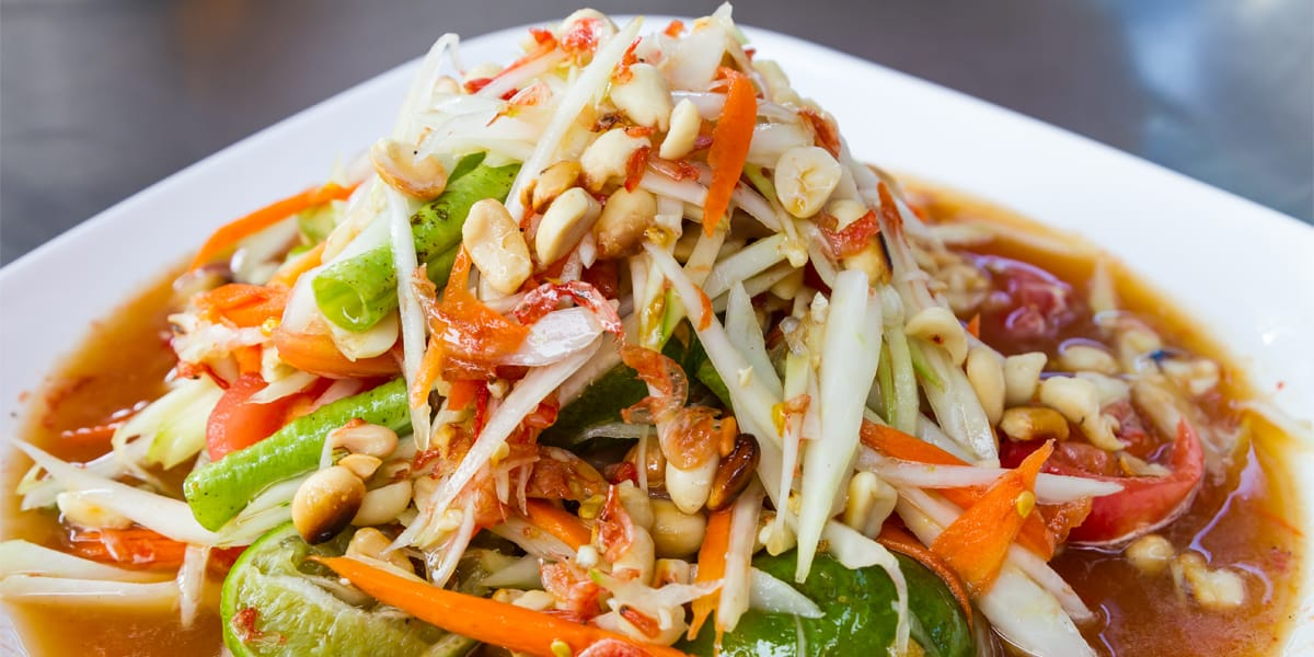 Ensalada de papaya verde thai