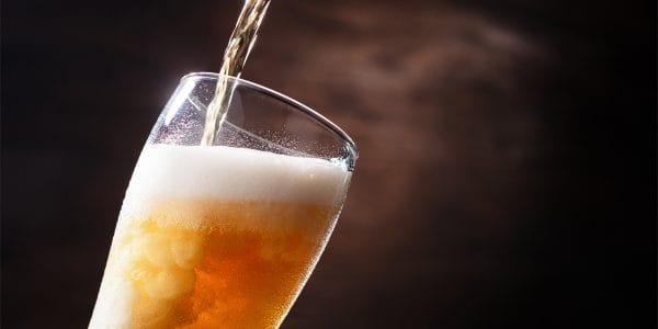 Cómo se debe tomar una cerveza