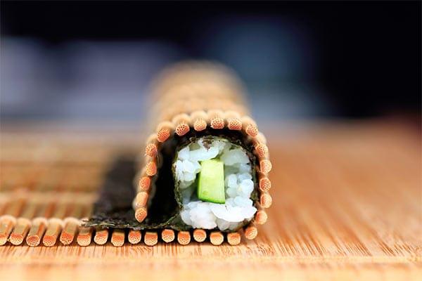 Tapete para sushi o makisu