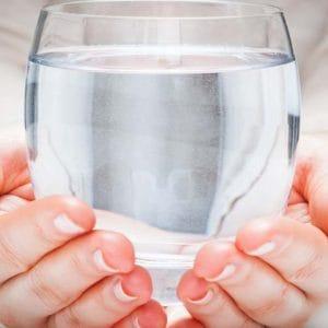 Cuanta agua beber diariamente