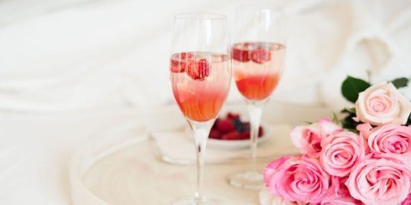 mimosa con frutos rojos