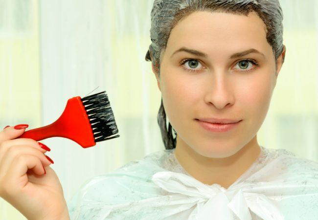 Cómo pintar el cabello en casa