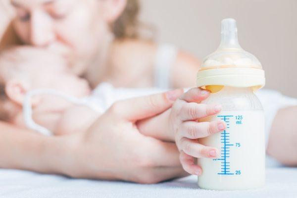 leche-polvo-biberón